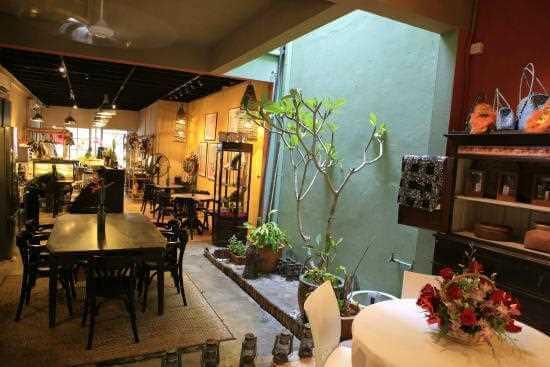 Cafe Unik di Kuching Sarawak