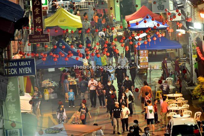 Festival Kek Bulan Antara Budaya Kuching