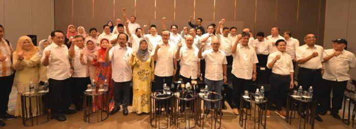 14 Wakil Rakyat Sabah Keluar Daripada Parti UMNO