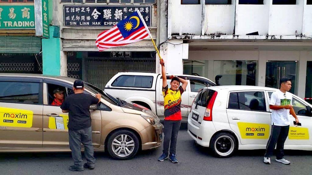 Maxim : E-Hailing Baru, Pencabar Grab, MyCar di Kuching