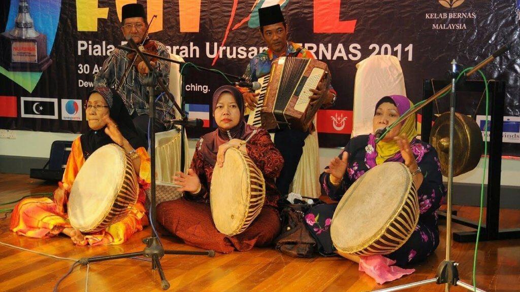 Berlanang - Tradisi Berbalas Pantun Sambil Mendayung Melayu Sarawak