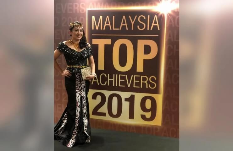 Inilah Satu-Satunya Wanita Bidayuh Yang Menerima Anugerah 'Malaysian Top Achievers 2019'