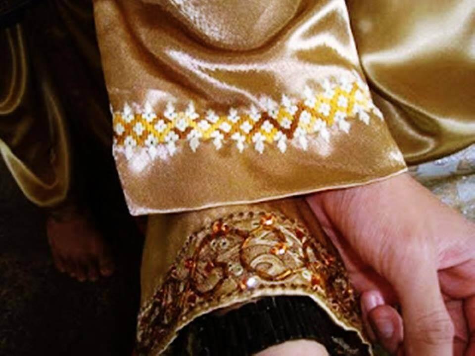 Ini Fakta Yang Perlu Anda Tahu Tentang Sulam Cabut Sarawak, Seni Sulam Trending Zaman 90-an