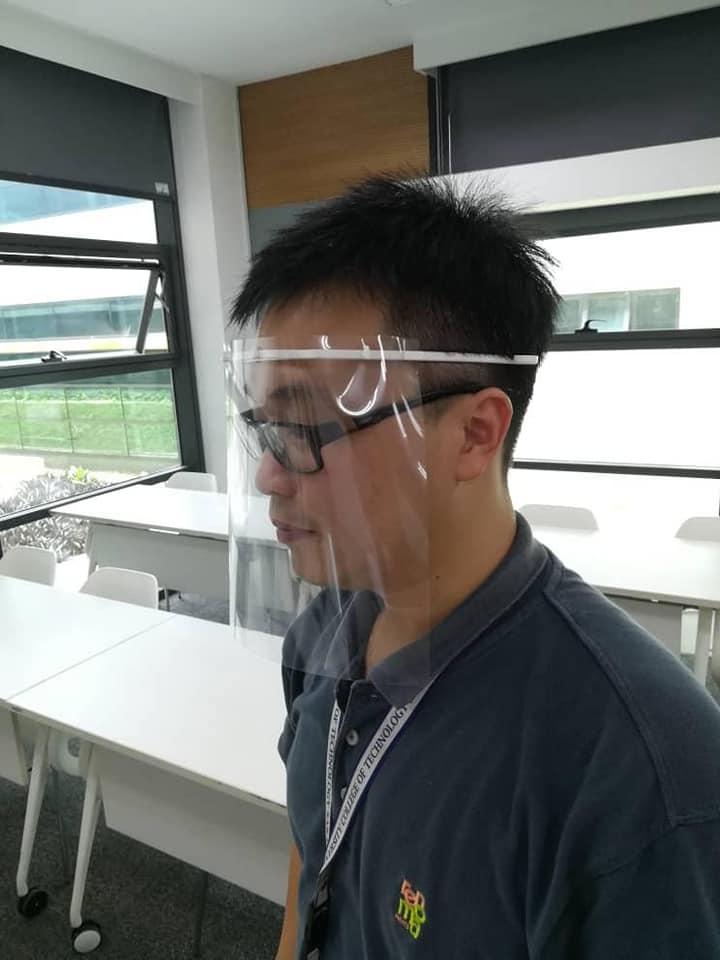 UCTS Tampil Kreatif Guna Pencetak 3D Untuk Hasilkan Pelindung Muka Untuk Frontliner Di Sibu