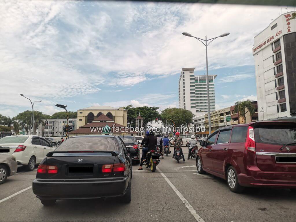 Sesak Dan 'Meriah', Begini Suasana Di Sekitar Bandar Sarawak Sejak PKPB Diumumkan