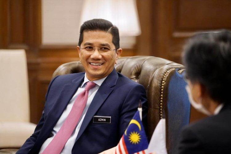 Kerajaan Negeri Tiada Kuasa Halang PKPB, Berisiko Disaman Pihak Industri - Azmin Ali