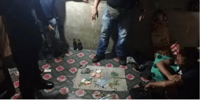4 Individu Kantoi Asyik Berjudi 'Holo' Semasa PKPB Ditahan Di Bau