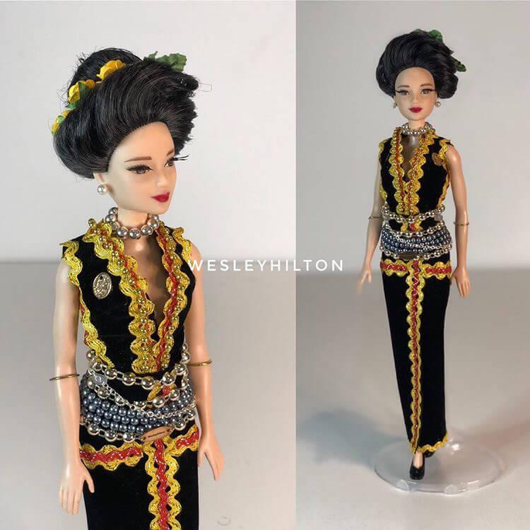 Lelaki Ini Tampil Kreatif Hasilkan Patung Barbie Versi Etnik Borneo