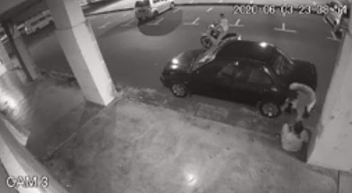 Peragut Kembali Lagi, Selamba Rampas Telefon Sambil Acu Pisau Di Kuching