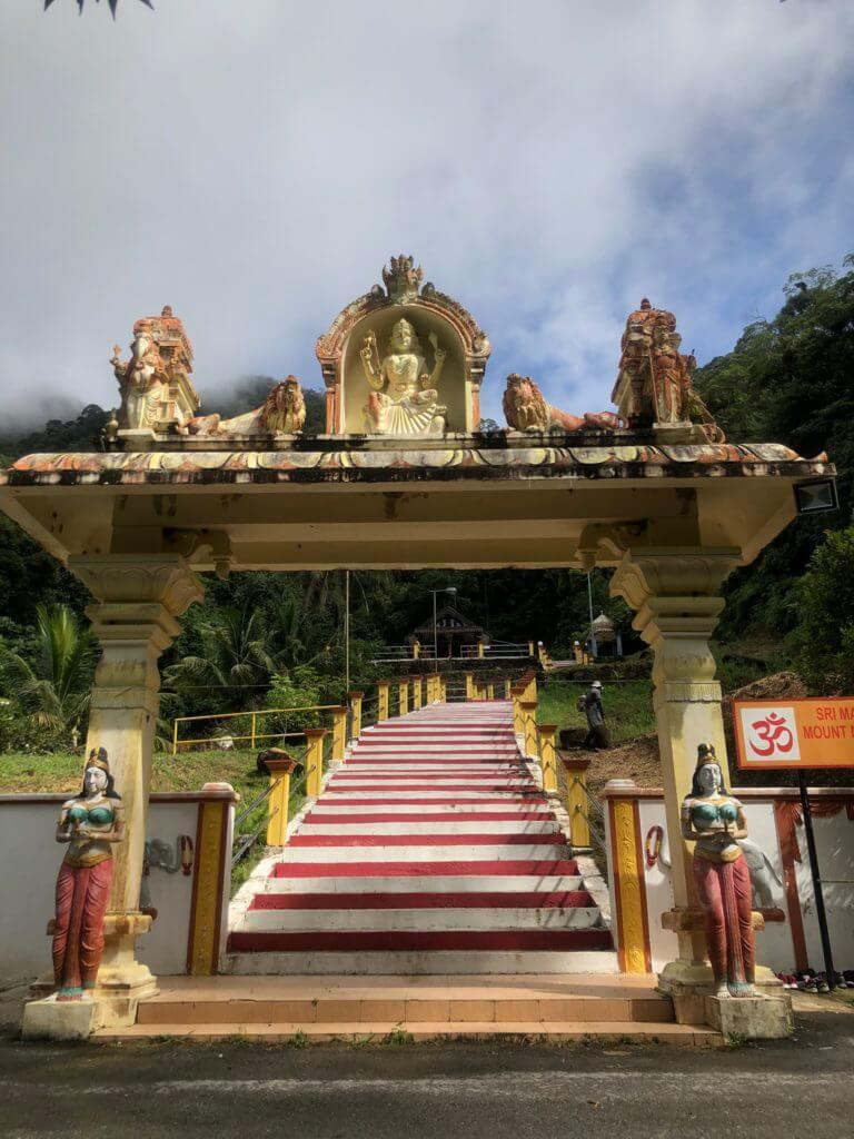 Gunung Matang, Lokasi Terbaru Untuk Hiking Santai Sambil Lihat Kuil Ala Batu Caves