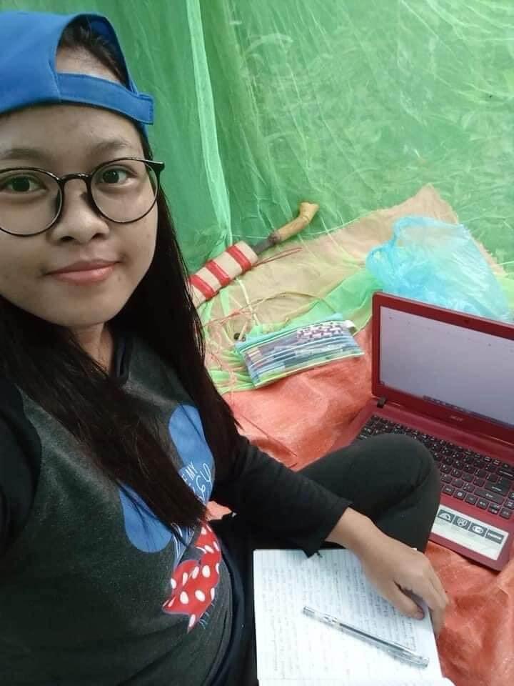 Setelah Kisah Veveonah, Tular Pula Pelajar Sarawak Belajar Di Dalam Hutan Untuk Cari Internet
