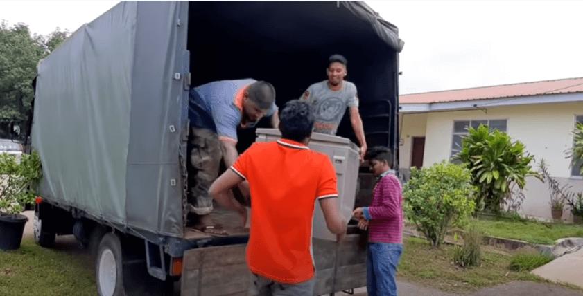 Tuah Gaji Dari YouTube, Sugu Pavithra Kini Pindah Ke Rumah Baharu