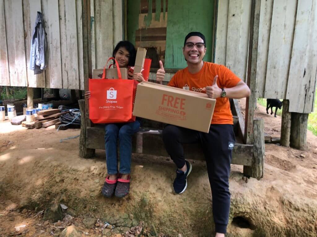 Selepas Dilawat TM, Veveonah Dapat Hadiah Gajet Elektronik Dari Shopee