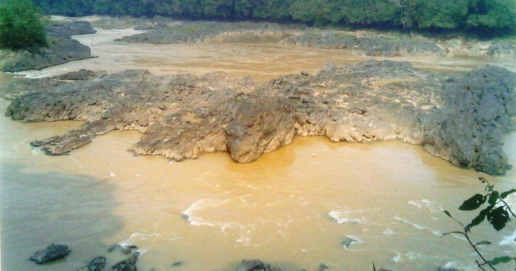 Puaka Jeram Pelagus, Batu Jeram Bahaya Yang Berasal Dari Seekor Ular Gergasi
