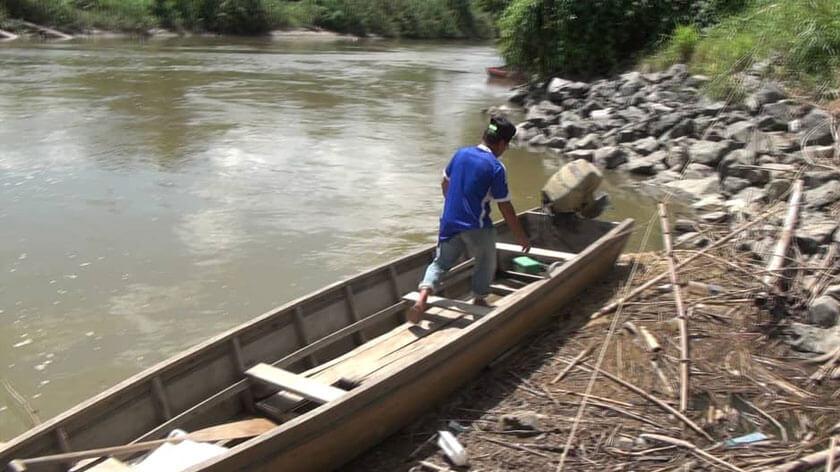 Bot Tiba-Tiba Karam, Sekumpulan Pelajar Di Telupid Sabah Hampir Lemas Semasa Ke Sekolah
