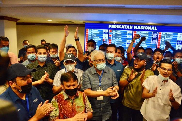 TIDAK RASMI : Gabungan Rakyat Sabah Tumpaskan Warisan Plus Untuk Bentuk Kerajaan Baru