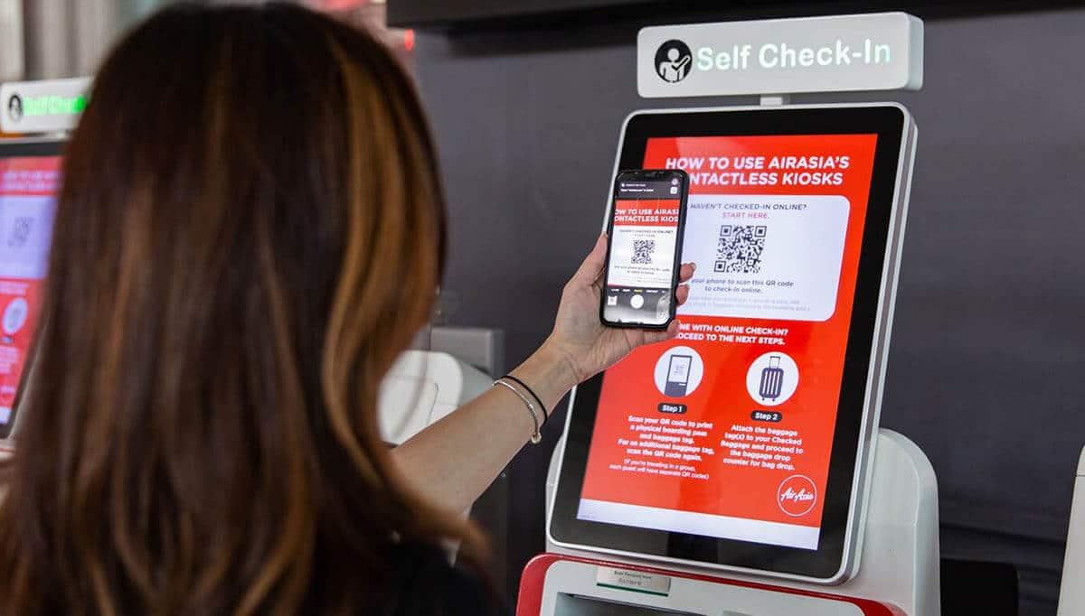 Check-In Di Kaunter Bakal Dikenakan Caj, AirAsia Galak Untuk Daftar Secara Online Atau Kiosk