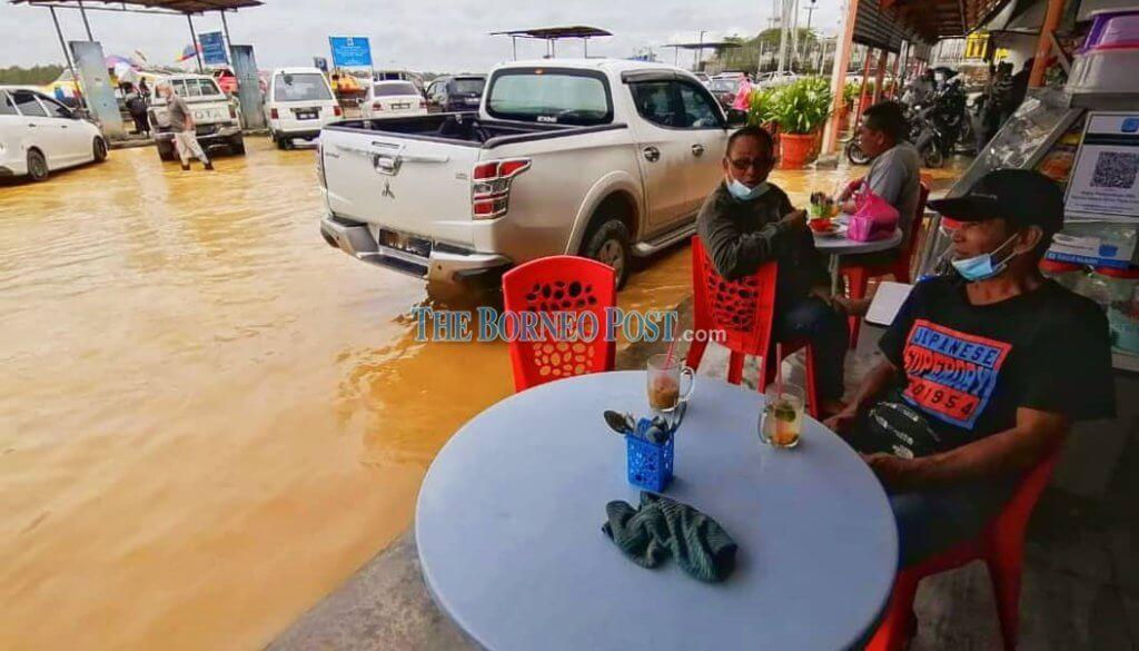 Akibat Hujan Lebat Dan Air Pasang, Bandaraya Sibu Dilanda Banjir
