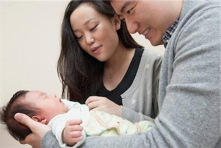 Singapura Menawar Pembayaran Kepada Ibu Bapa Untuk Bayi Dilahirkan Semasa Pandemik