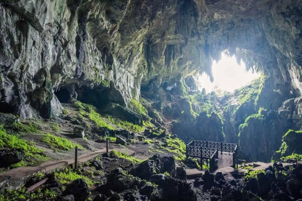 Ini Adalah 3 Lagi Kisah Batu Misteri Yang Terdapat Di Sarawak