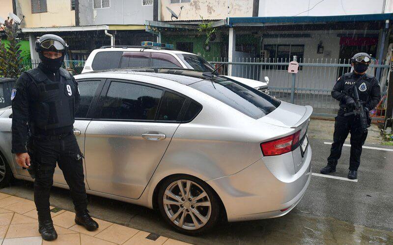 Pegawai Kastam Sarawak Terima Ugutan Bunuh Dihantar Peluru Hidup Depan Rumah