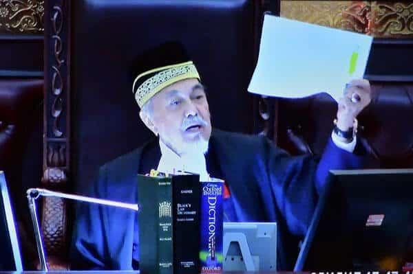 Hairan Dumbledore Trending Di Malaysia, Rupanya Ada Kaitan Dengan DUN Sarawak