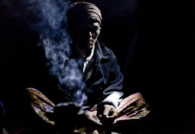 Kononnya Halau Hantu Tempayan, Bomoh Ditahan Rogol Gadis Bawah Umur Di Kapit