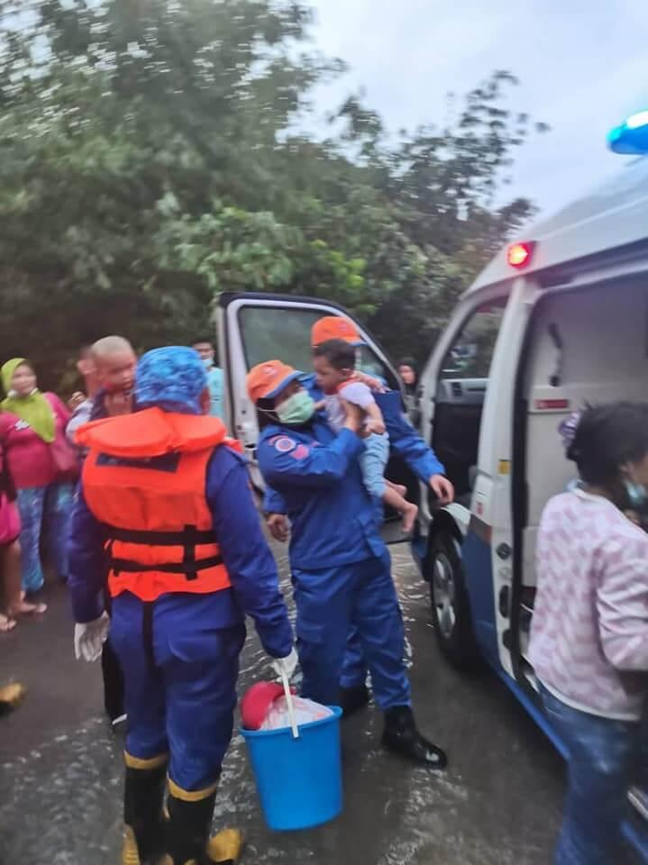 Banjir Di Sarawak Semakin Buruk, Seramai 4,222 Mangsa Telah Dipindahkan