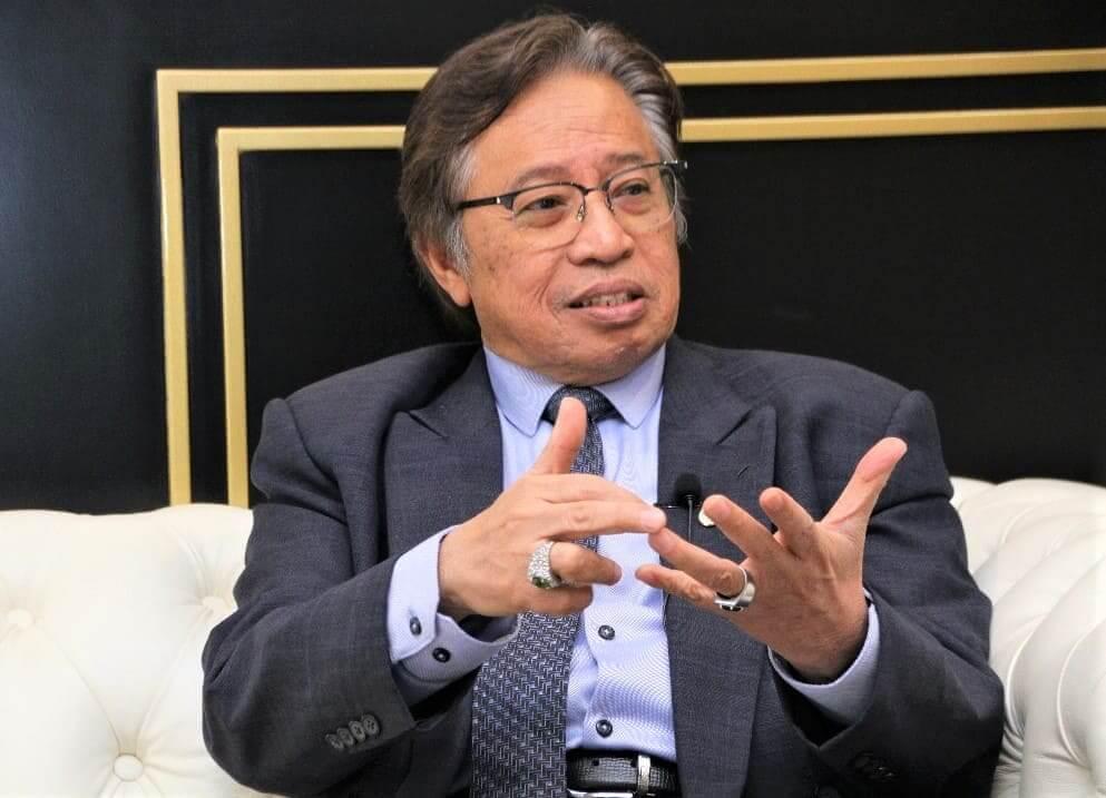 Abang Johari Bakal Jadi Individu Pertama Terima Vaksin Pfizer-BioNtech Di Sarawak