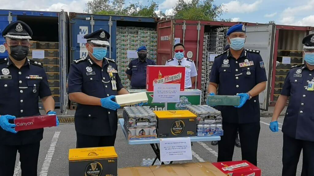 Sindiket Seludup Rokok Dan Arak Bernilai RM 21.5 Juta Tumpas, Rampasan Terbesar Di Sarawak Tahun Ini