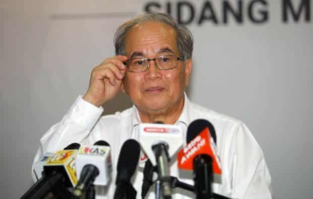 Sarawak Sedang Mencari Cara Untuk Beli Bekalan Vaksin COVID-19 Sendiri