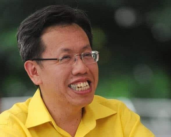 Sarawak Tidak Guna Vaksin AstraZeneca, Pergi Ke Selangor Atau KL Jika Mahu - Dr. Sim