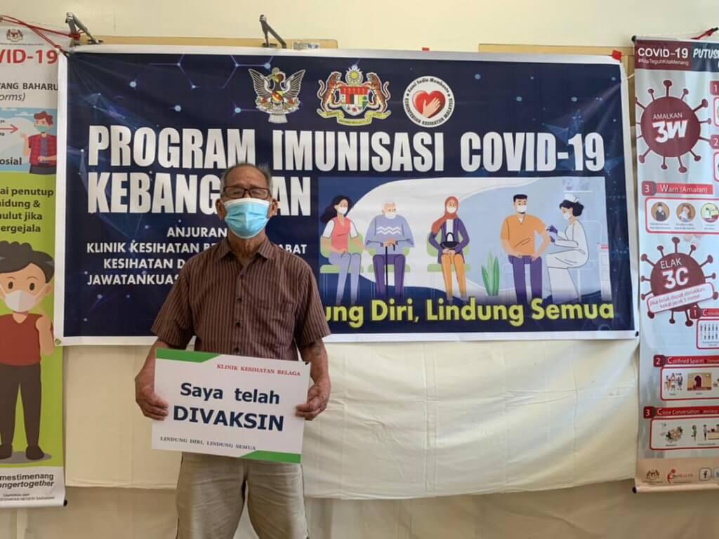Nenek Bawang Lusang, Wanita Tertua Di Malaysia Terima Suntikan Vaksin COVID-19