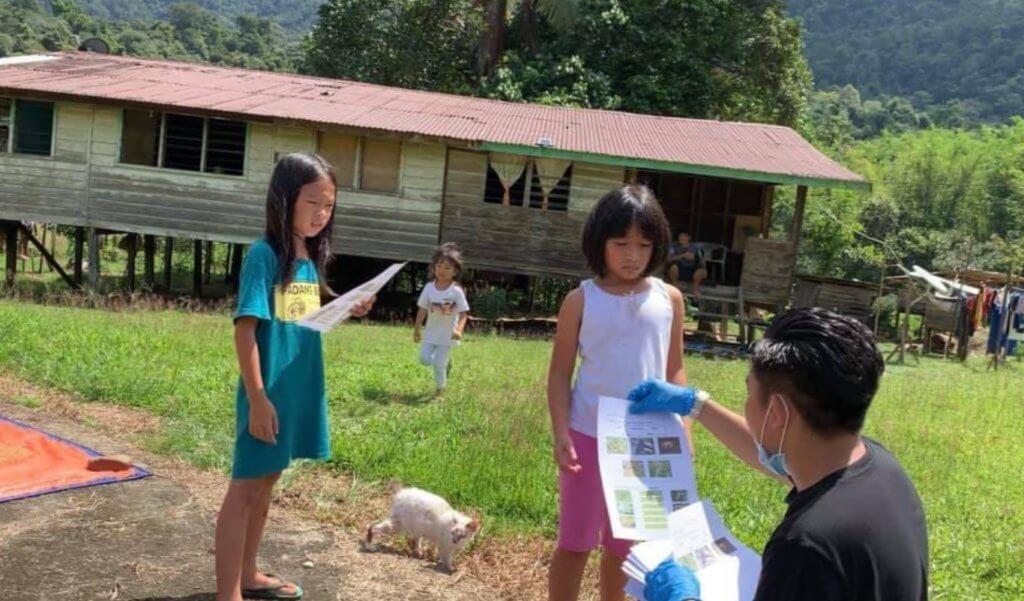 Guru Pedalaman Sarawak Ini Terharu Apabila Ibu Bapa Murid Sanggup Ke Pekan Hantar Pencalonan