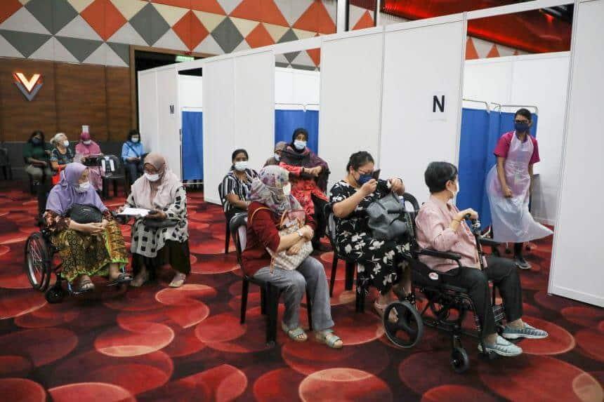 MUKTAMAD : Sarawak Benarkan Penggunaan Vaksin Astra Zeneca Secara Sukarela