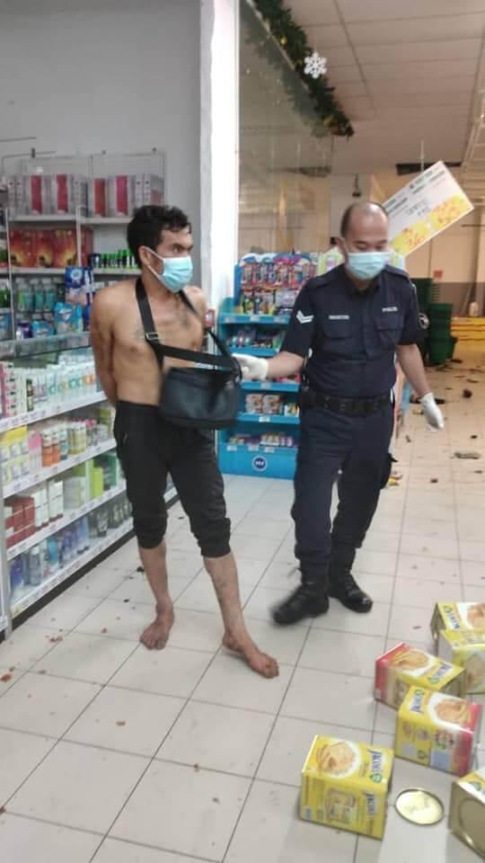 Hancur Satu Pasaraya, Tular Seorang Lelaki Mengamuk Musnahkan Harta Benda Di Econsave Bintulu