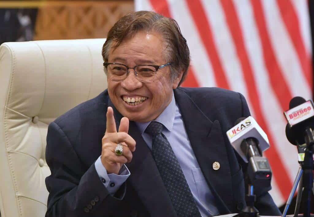 Hanya Penduduk Luar Bandar Sarawak Boleh Dapatkan Vaksin COVID-19 Secara 'Walkin'