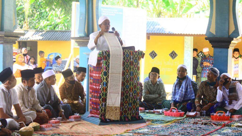 Amalkan Kepercayaan Solat 3 Kali Sehari, Ini Adalah Komuniti Muslim 'Sasak' Di Indonesia