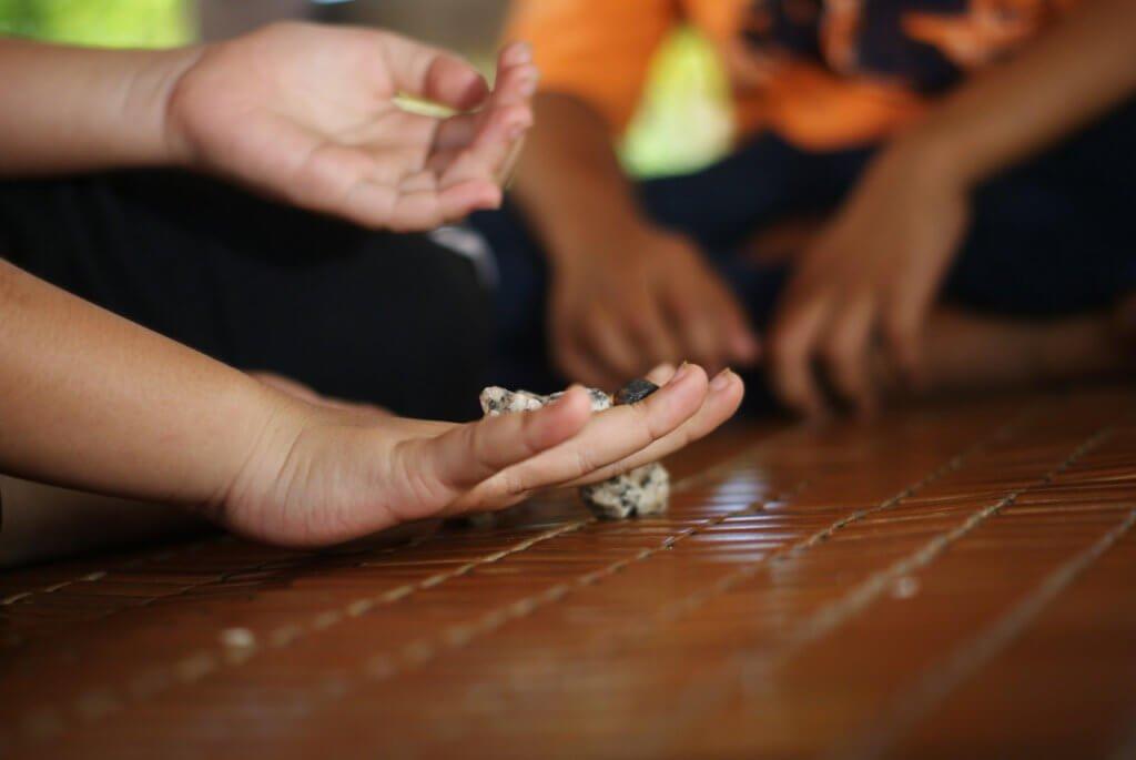 Jom Imbas Semula Permainan Tradisional Melayu Yang Pernah Jadi Mainan Kanak-Kanak Zaman Dulu