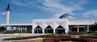 Majlis Islam Sarawak Benarkan Masjid, Surau Dibuka Untuk Menunaikan Solat Fardu Dan Jumaat