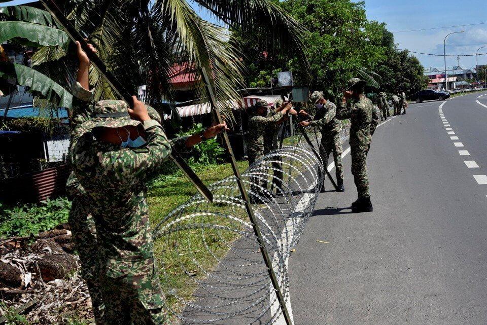 Padah Menyelinap Masuk Kawasan PKPD, Seorang Pemuda Dikompaun di Kota Samarahan