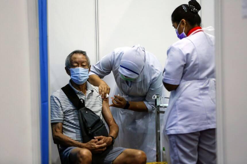 Bagi Memastikan Semua Rakyat Peroleh Vaksin, Sarawak Guna Pendekatan Suntik Dahulu Kemudian Daftar