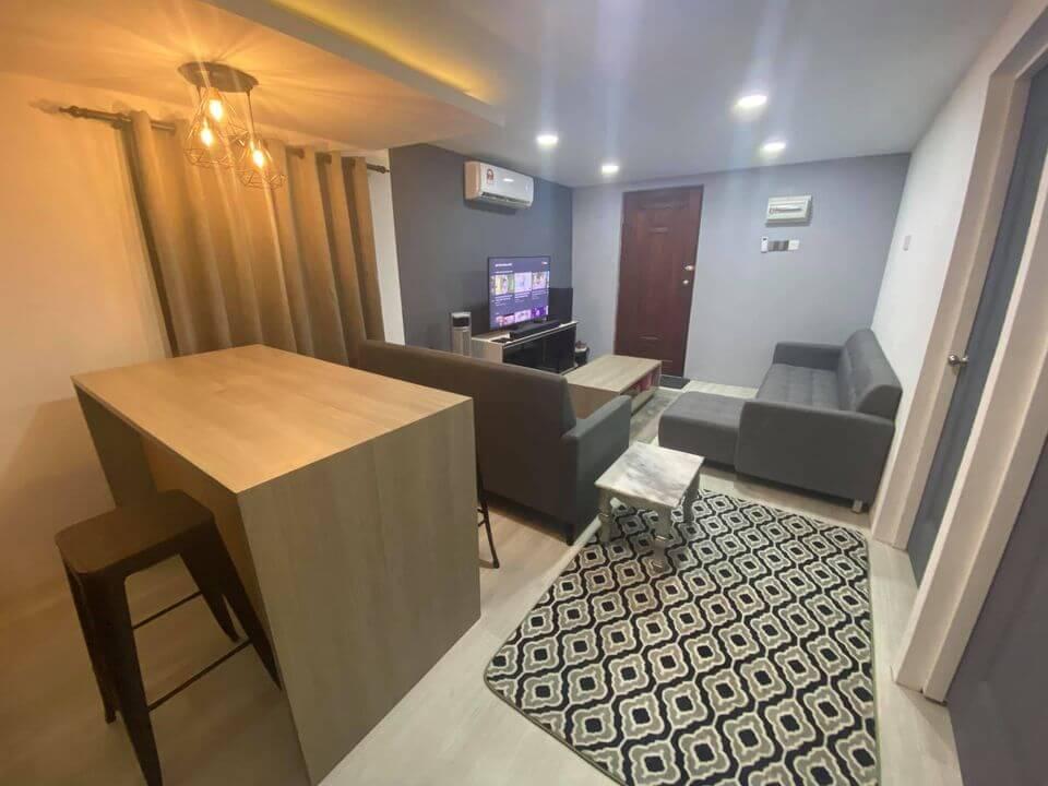 Netizen Kagum Lihat Rumah Lelaki Di Kuching Ini, Luar Rumah Kampung Tapi Dalam Macam Kondo Mewah!