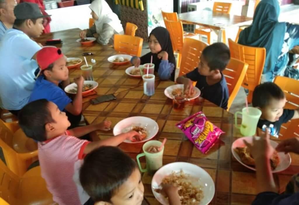 Kanak-Kanak Bawah 12 Tahun Dibenarkan Dine-In Di Kedai Makan Mulai Hari Ini Di Sabah